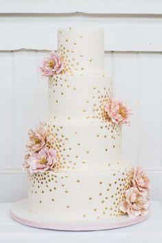 This cake is too pretty to eat! Well...almost! #weddingcakes #pinkweddingcakes