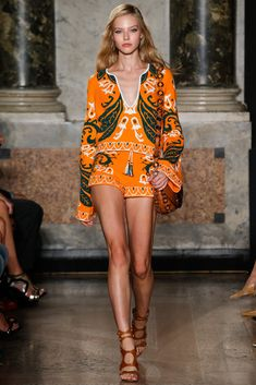 Emilio Pucci Spring 2015 Ready-to-Wear - Collection - Gallery . inspired high fashion at Milan fashion week Look Fashion, Runway Fashion, Spring Fashion, High Fashion, Fashion Show, Fashion Design, Milan Fashion, Net Fashion, Emilio Pucci