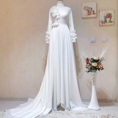 lady at the request of the wedding gown designed and prepared without a distance measure rehearsal ready for me Thank you very much for choosing 🤗💕Out teacher with his wife a lifetime of happiness . Greetings to Diyarbakir a the # Çekimelbise of Muslimah Wedding Dress, Muslim Wedding Dresses, Bridal Dresses, Wedding Gowns, Modest Dresses, 15 Dresses, Evening Dresses, Fashion Dresses, Vintage Prom