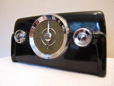 INTAGE GEM MINT CROSLEY BLACK BAKELITE & CHROME DASHBOARD RADIO GEM MINT