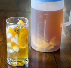 Homemade Iced Tea with Oranges and Rosemary - http://www.diypinterest.com/homemade-iced-tea-with-oranges-and-rosemary/