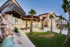 Benvenuti! Villa, Relax, Santa, Mansions, House Styles, Home Decor, Decoration Home, Manor Houses, Room Decor