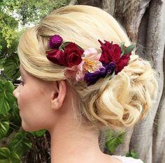 In Love por esse arranjo floral para noiva da @cangafulo   Que cores são essas?! Ameiiii!!!🌷🌷🌷    Informações  👉🏼@cangafulo  👉🏼número 81-9.8136-4921 ou  👉🏼ORÇAMENTO ONLINE gratuito no Guia de Fornecedores do Blog via APP!  .  #noivasdobrasil #ndbindica #noiva #parceiro #instagood #wedding #casamento #buquedenoiva #flowers #bride #parceirodoblog #meubuque #vireinoiva #flowers #flor