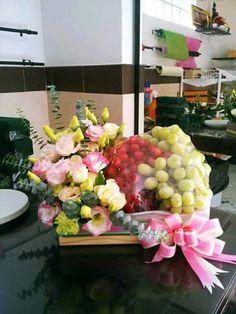 Hamper Ideas, Craft Cutter, Wedding Decorations, Table Decorations, Fruits Basket, Juices, Fresh Fruit, Floral Arrangements, Floral Design