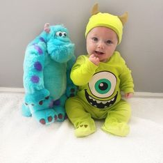 This Dad Has Dressed His Son Up in So Many Disney Costumes, It's Impossible to Pick a Favorite Mike and his BFF, Sully.<br> It's impossible to pick a favorite! Baby Costumes For Boys, Baby Halloween Costumes For Boys, Baby First Halloween, Halloween Baby Pictures, Halloween Parties, Family Halloween, Happy Halloween, Baby Kostüm, Baby Kids