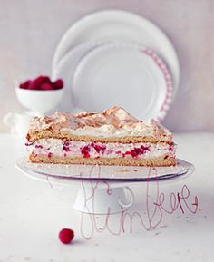 Himbeer-Baiser-Torte - Zart & knusprig: Baiser - [LIVING AT HOME]