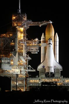 Endeavor, Endeavor Shuttle, space shuttle Endeavor, Endeavour, Space Shuttle Los Angeles, Space,Space shuttle Endeavour rocketed beyond Earth orbit 25 times. Its 26th mission: A 12-mile commute