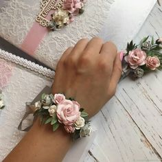 Wedding Accessories 6795 # Wedding Accessories Source by Prom Flowers, Bridal Flowers, Wedding Coursage, Bridesmaid Corsage, Wrist Corsage Wedding, Corsage And Boutonniere, Boutonnieres, Dream Wedding, Wedding Day