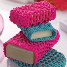 Give your bathroom a touch of spa style with these fabulous crochet design patterns & full instructions.  Susie Johns' exclusive designs for Let's Knit will brighten your bathroom with crochet towel edgings and coordinating soap holders. The towel borders make a plain towel something special, while the little openwork soap bags act as exfoliating wash mitts.