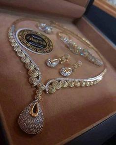 Stylish American Diamond Necklace Set with Matching Earrings – FashionVibes Bridal Jewelry, Jewelry Art, Jewelry Accessories, Fine Jewelry, Fashion Jewelry, Jewelry Design, Jewlery, Diamond Necklace Set, Diamond Jewelry