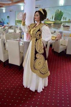Algerian fashion: Qatifa