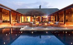 Melton Manor at Kwandwe luxury safari lodge in South Africa is a contemporary farmhouse - with a modern touch. Find out more with Turquoise Holidays. South Africa Beach, South Africa Honeymoon, Game Reserve South Africa, Top Honeymoon Destinations, Honeymoon Ideas, Restaurants, Private Games, Luxury Homes Dream Houses, Dream Homes