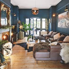 43 Cozy And Relaxing Living Room Design Ideas. Living room is a fundamental part of the house where we gather with our family. In that room we can […] Copper Living Room, Living Room Inspiration, Blue Living Room, Dark Living Rooms, Living Room Diy, Living Room Color, Relaxing Living Room, House Interior, Victorian Living Room