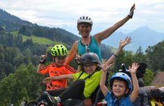 Oxybul aime et partage ce reportage : Handicap et vacances en famille et en vélo ! #jeuxethandicap #enfant #handicap #vacances Family Vacations, 3 Kids