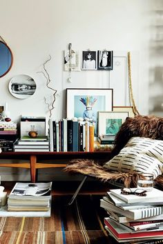 10 Things That Look Better Cluttered Living Room