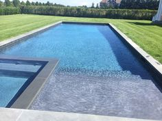 Long swimming pool with large step (I would include water spouts for the boys) and spa beside the step Backyard Pool Landscaping, Backyard Pool Designs, Big Backyard, Swimming Pools Backyard, Swimming Pool Designs, Luxury Swimming Pools, Luxury Pools, Dream Pools, Piscina Rectangular