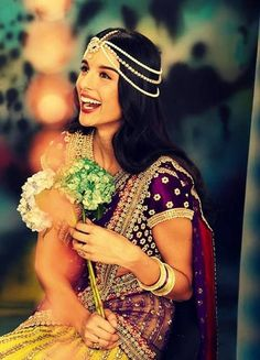 Beautiful, Happy #Desi Bride, Colors, Bridal Matha Patti, <3ly via @Anamik Pg #ShaadiBazaar