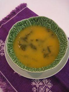 Sopa de Agrião Portuguese Recipes, Portuguese Food, Vegan Recipes, Cooking Recipes, Soup And Sandwich, Cooking Classes, Curry, Food And Drink, Menu