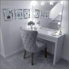 Healthy meals to lose weight delivered to your door for a room ideas Makeup Room Decor, Makeup Rooms, Makeup Chair, Bedroom Makeup Vanity, Makeup Vanity Decor, Cute Room Decor, Wall Decor, Diy Wall, Room Ideas Bedroom