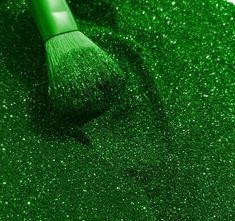 This colour is so IN right now! If this is your Look be sure to contact me ASAP in regards to my MD packages! Dark Green Aesthetic, Rainbow Aesthetic, Aesthetic Colors, Aesthetic Photo, Aesthetic Pictures, Green Aesthetic Tumblr, Green Glitter, Neon Green, Green Colors