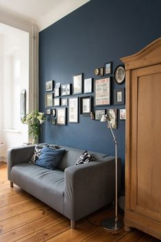 Farrow & Ball – Stiffkey Blue & Nocali Journal Farrow & Ball – Stiffkey Blue & Nocali Journal The post Farrow & Ball – Stiffkey Blue Dark Blue Living Room, Rugs In Living Room, Living Room Designs, Living Room Decor, Living Room Interior, Kitchen Interior, Bedroom Decor, Blue Bedroom, Design Kitchen