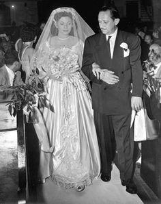 Marilyn Porte Walking Down The Aisle With Her Uncle Al J Nemets To Marry Stanley M Lambert