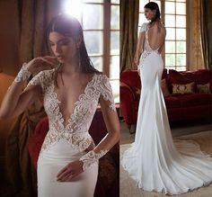 Vestido de noiva decotado com cauda