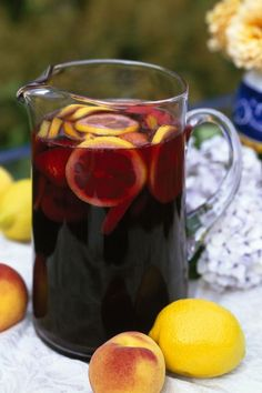 Basic Sangria Recipe 1 750 mL Bottle red wine Cab 1 Lemon cut into wheels 1 Orange cut into wheels 2 TBSP Sugar 1 Shot Brandy 2 Cups Ginger Ale 1 Large can of diced pineapple With Juice Cointreau Cocktail, Cocktails Champagne, Cocktail Rose, Party Drinks Alcohol, Alcoholic Drinks, Pina Colada, Sangria Rouge, Red Sangria, Red Wine Cabernet