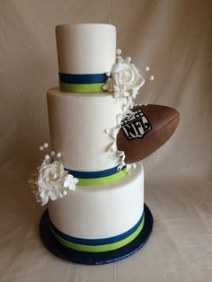 From superheroes and video games to sports and action films, these epic wedding cake themes are proof the groom CAVE have his cake and eat it (sorry). Wedding Cake Photos, Themed Wedding Cakes, Beautiful Wedding Cakes, Wedding Cake Toppers, Themed Weddings, Football Wedding, Sports Wedding, Basketball Wedding, Fall Wedding