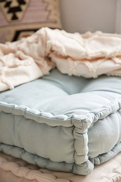 Slide View: 2: Rohini Daybed Cushion