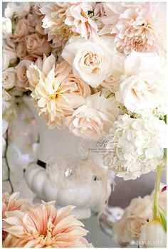 think my heart is definitely set on a gray wedding with peach/ blush pink/ white :) <3