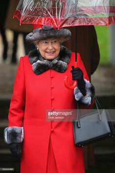 Kate Middleton Photos - Catherine, Duchess of Cambridge attends a Christmas Day church service at Sandringham on December 2015 in King's Lynn, England. - The Royal Family Attend Church On Christmas Day God Save The Queen, Hm The Queen, Her Majesty The Queen, Duke And Duchess, Duchess Of Cambridge, Queen 90th Birthday, Queen Hat, Kate Middleton Prince William, Prince Philip