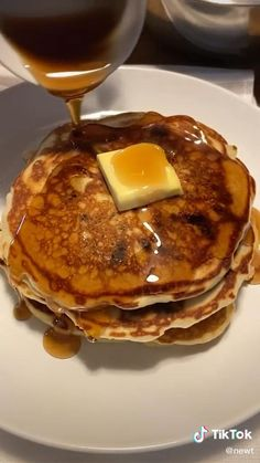 Fun Baking Recipes, Dessert Recipes, Cooking Recipes, Desserts To Make, Food To Make, Movie Website, Chocolate Chip Pancakes, Breakfast Dishes, Easy Snacks