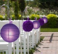 Lavender pomanders & lanterns down the aisle.