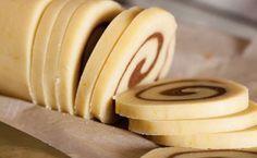 La ricetta del rotolo senza cottura, un dolce a base di biscotto farcito con una crema di mascarpone e nutella