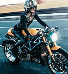 6 Simple Tips: Harley Davidson Quotes Pictures harley davidson classic awesome.Harley Davidson Classic Pictures harley davidson forty eight red.Harley Davidson Women Plus Size. Harley Davidson Sportster, Harley Davidson Helmets, Hd Vintage, Vintage Biker, Harley Davidson Birthday, Moto Cafe, Cafe Racer Girl, Ducati Monster, Biker Girl