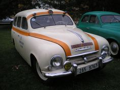 Old Classic Cars, Felicia, Funeral, Cars And Motorcycles, Retro, Vehicles, Design, Motorbikes, Historia