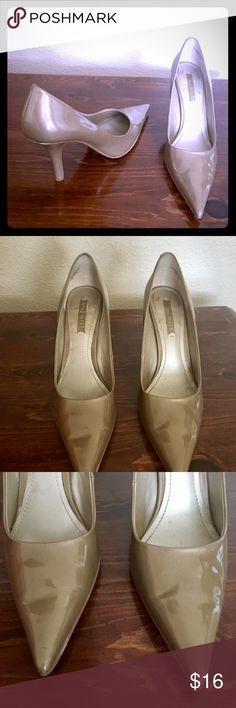 Nine West dark nude/khaki color patent pointy toe Nine West patent pointy toe heels. This shoes are like a dark nude/khaki color. Size 8. Good used condition. Please see pictures for some wear marks. Nine West Shoes Heels
