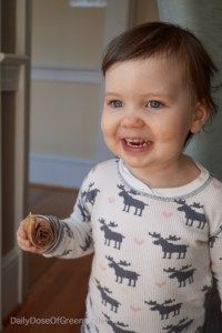 Feeding Toddlers - Tips for picky eaters, snack ideas, etc. from an RD!