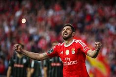 Benfica tricampeão 39 anos depois - PÚBLICO Tops, Soccer, Victorious, Advertising