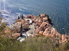 Varenna - Lago di Como - Vista dal Castello di Vezio http://lefotodiluisella.blogspot.it/2015/04/castello-di-vezio.html