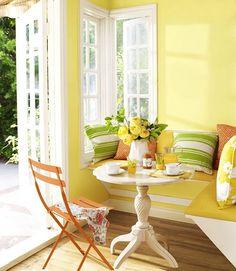 Put @tufenkiancarpet  in your Inviting breakfast spot. #inspiredbytherug