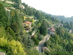 A Solo Travel Society member recommends Bergamo, Italy as a safe, beautiful destination with amazing food and art and many scenic walks.