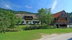 V lepi, mirni in zeleni okolici se nahaja turistična Kmetija Špeh. Več o njej, kliknite na direktno spletno povezavo http://www.viaslovenia.com/sl/turisticne-kmetije/savinjska/turisticna-kmetija-speh-zg-jezernik.html