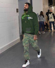 Every Sneaker Worn By Kyrie Irving This Season Fashion Models, Nba Fashion, Streetwear Fashion, Mens Fashion, Sneakers Fashion, Kyrie Irving, Black Men Street Fashion, Swagg, Men Casual