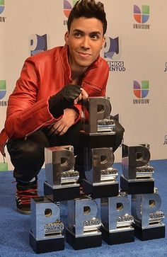 My baby Prince Royce - Premios Juventud 2012.  8 awards out of 10 <3