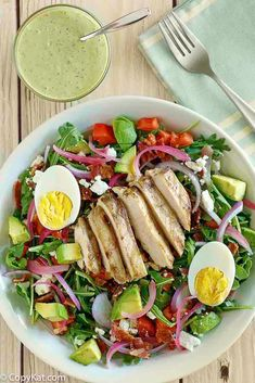 Make your own classic Panera Bread Green Goddess Cobb Salad with chicken at home with this easy copycat recipe. It is the perfect healthy low carb and keto friendly recipe. Panera Green Goddess Dressing, Goddess Dressing Recipe, Green Goddess Salad Recipe, Panera Bread, Salad Recipes For Dinner, Salad Dressing Recipes, Salad Dressings, Chicken Honey, Baked Chicken