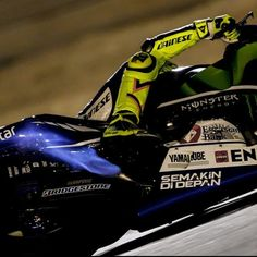 Flaming Italian!  Valentino Rossi spitting flames from his yamaha m1 at the Qatar tests 2015