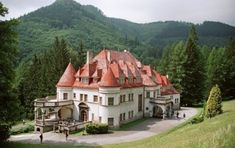 Travel Inspiration, Places To Visit, Europe, Mansions, Country, Architecture, House Styles, Castles, Home