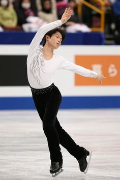 Tatsuki Machida of Japan competes in the Men's Short Program during ISU World Figure Skating Championships at Saitama Super Arena on March 26, 2014 in Saitama, Japan.